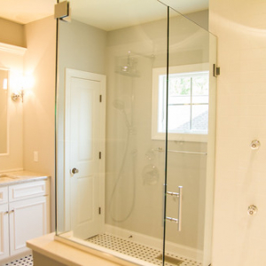 """Large glass shower • <a style=""""font-size:0.8em;"""" href=""""http://www.flickr.com/photos/76269113@N03/9916567016/"""" target=""""_blank"""">View on Flickr</a>"""